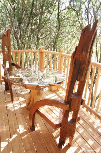 Cabane de luxe dans les arbres au clos saint amand beziers